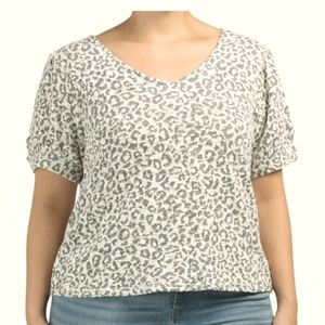 NWT Animal Print Short sleeve top